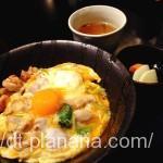 ( ・×・)上野駅からすぐ近くの焼き鳥屋「日鶏〆-ひとりじめ-」でふわとろ親子丼ランチ