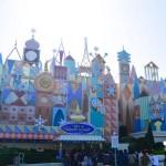 ( ・×・)今年度で最後 東京ディズニーランド「イッツ・ア・スモール・ワールド」のクリスマスバージョン