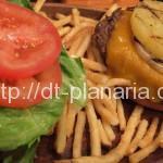 ( ・×・)さいたま新都心の「クアアイナ」で限定「厚切りチェダーチーズバーガー」を食べてきたよ
