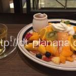 ( ・×・)渋谷スクランブル交差点の目の前にあるオシャレなブックカフェでフルーツたっぷりパンケーキ