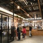 ( ・×・)新宿のNEWoManエキソトに朝4時まで営業している心強いエリアが登場!「フードホール」
